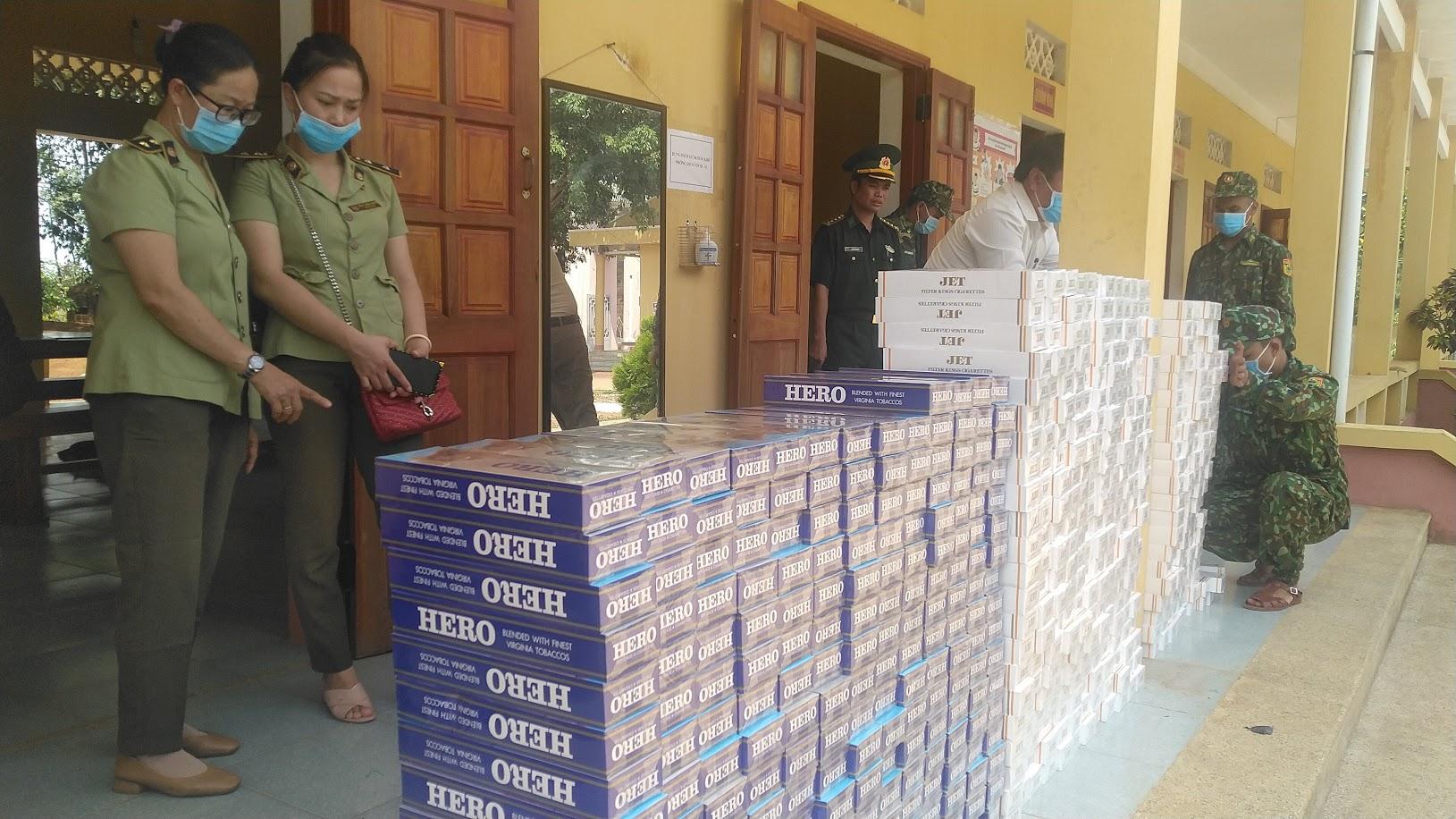 Gia Lai: Cục QLTT tiếp nhận 7.240 bao thuốc lá điếu nhập lậu từ Bộ Chỉ huy BĐBP tỉnh